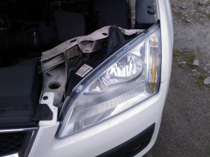 Ford Focus MK2 Headlight Bulb Change