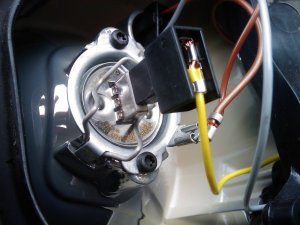 ford focus mk2 headlight bulb change right hand main beam